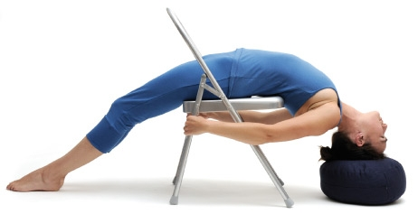 yogastuhlanwendungwebp2 462×237  yoga con silla