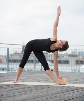 Yoga block - yogiblock - bamboo buy online at YOGISTAR.COM ...
