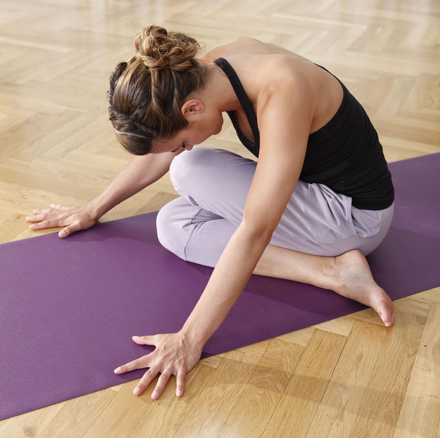 gaiam com sportfootwearshops travel yoga mat foldable product